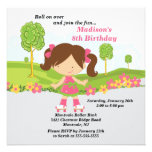 Fiesta de cumpleaños patinadora del chica trigueno anuncio personalizado