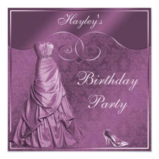 Fiesta de cumpleaños púrpura atractiva del vestido invitación 13,3 cm x 13,3cm