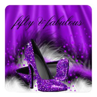 Fiesta de cumpleaños púrpura fabulosa de 50 invitación 13,3 cm x 13,3cm