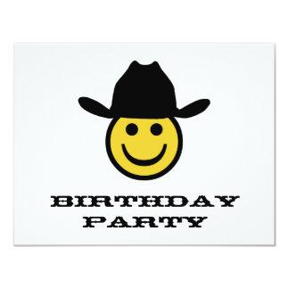 Fiesta de cumpleaños sonriente del vaquero anuncios