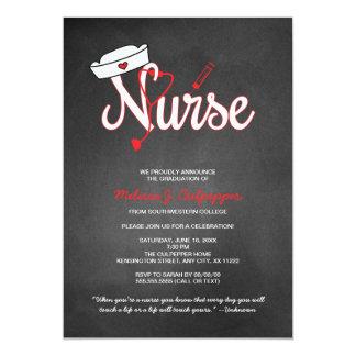 Fiesta de graduación de la enfermera que fija la invitación 12,7 x 17,8 cm