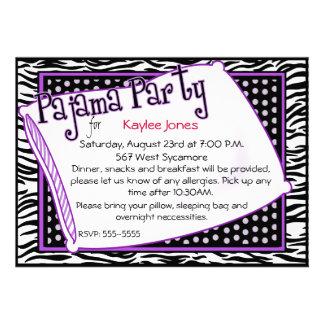 Fiesta de pijama en negro y púrpura invitaciones personales