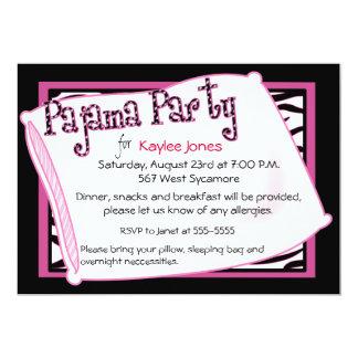 Fiesta de pijama en negro y rosa invitación 12,7 x 17,8 cm