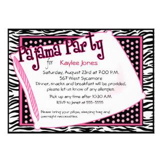 Fiesta de pijama en puntos negros y rosados