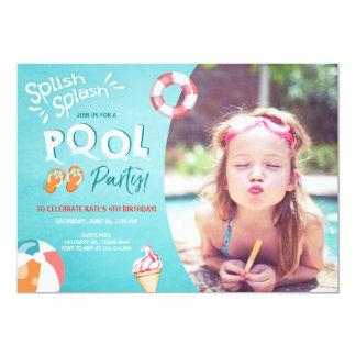 Fiesta en la piscina de la invitación del