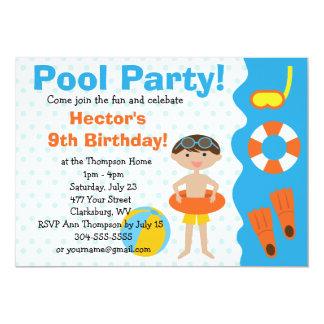 Fiesta en la piscina del cumpleaños del muchacho invitación 12,7 x 17,8 cm