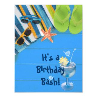 Fiesta en la piscina del golpe del cumpleaños invitación 10,8 x 13,9 cm