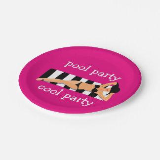 Fiesta en la piscina fresca plato de papel