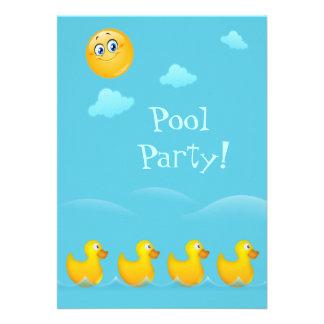 Fiesta en la piscina linda de los patos comunicados personalizados