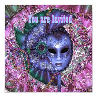 Fiesta púrpura verde de la mascarada invitación 13,3 cm x 13,3cm