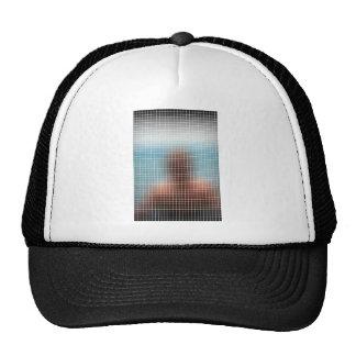 Figura borrosa detrás del vidrio gorras de camionero