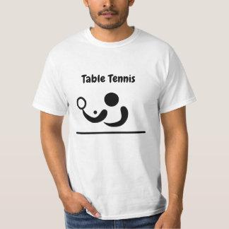 Figura camiseta del palillo de los tenis de mesa