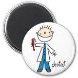 Figura imán del palillo del dentista