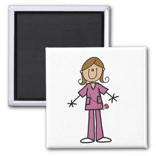 Figura media enfermera de sexo femenino del palill imán de nevera