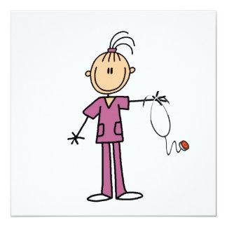 Figura triguena enfermera del palillo invitación 13,3 cm x 13,3cm