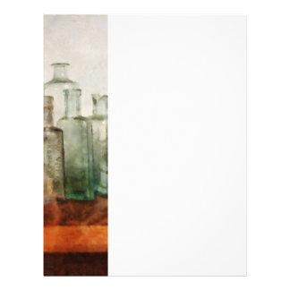 Fila de las botellas de la medicina folleto 21,6 x 28 cm