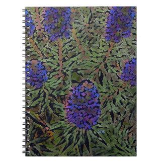 Filas de la planta púrpura Del Mar de la lavanda Cuadernos