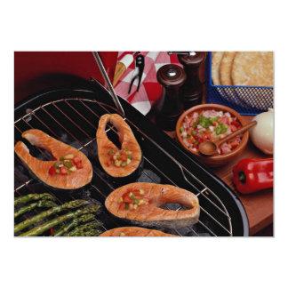 Filetes de color salmón asados a la parrilla comunicado personalizado