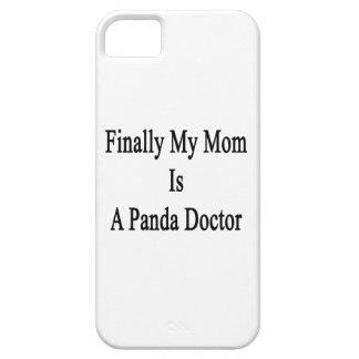 Finalmente mi mamá es doctor de la panda iPhone 5 protectores