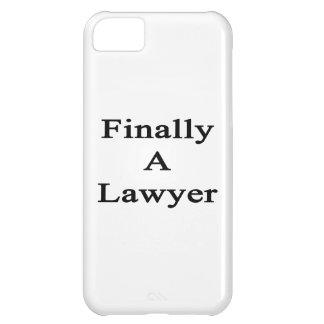 Finalmente un abogado