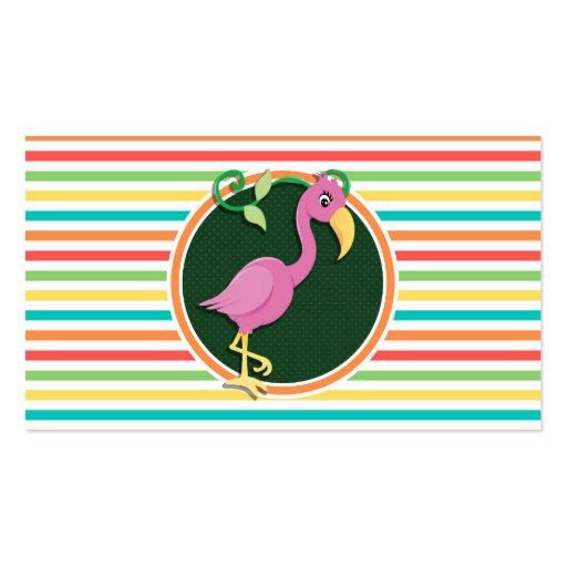 Flamenco rosado en rayas brillantes del arco iris plantilla de tarjeta de visita