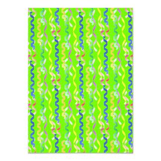 Flámulas multi del fiesta en el verde de neón invitación 11,4 x 15,8 cm