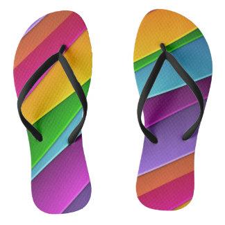 Flips-flopes del diseño del arco iris de la chanclas