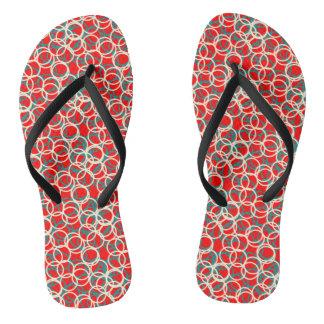 Flips-flopes rojos y blancos del modelo del chanclas