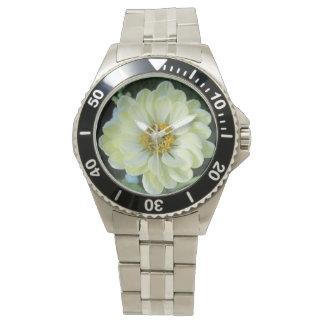 Flor amarilla clara de la dalia reloj