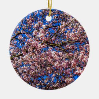 Flor de cerezo adorno redondo de cerámica