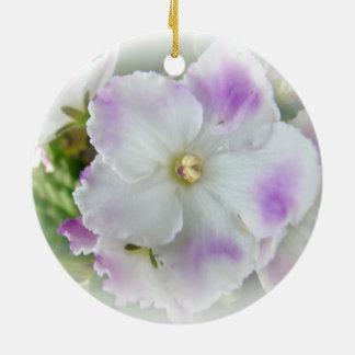 Flor de la violeta africana ornamentos de reyes magos