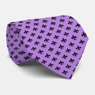 Flor de lis negra moderna en púrpura de la lavanda corbata personalizada