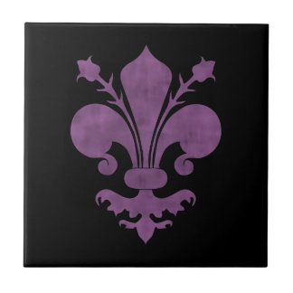 Flor de lis púrpura en negro azulejos