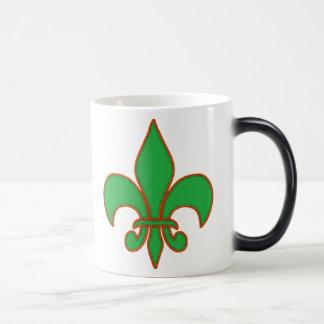 Flor de lis verde taza mágica