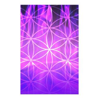 Flor de llama violeta de la vida  papeleria