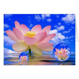 Flor de Lotus llevada en agua Tarjeta De Felicitación