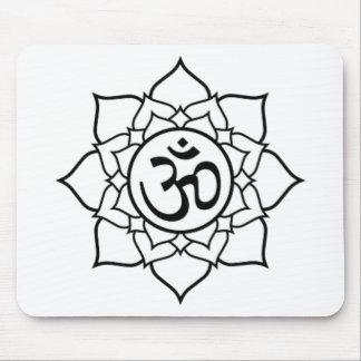 Flor de Lotus, negra con el fondo blanco Alfombrilla De Ratón