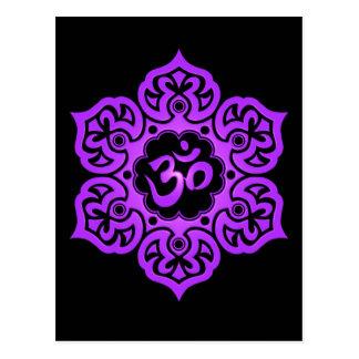 Flor de Lotus púrpura y negra OM Postal