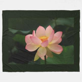 Flor de Lotus única del rosa de jardín del zen Manta Polar