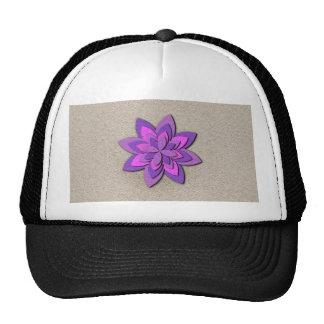 Flor de papel púrpura y rosada gorros