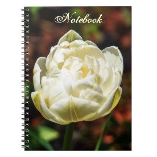 Flor floreciente blanca elegante cuaderno