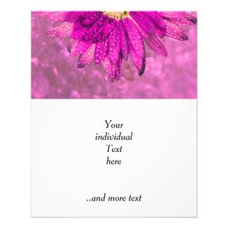 flor mojada rosada flyer personalizado