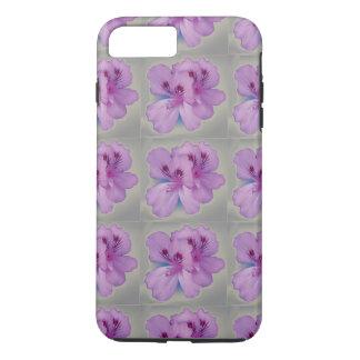 Flor púrpura en la caja del teléfono celular de funda iPhone 7 plus