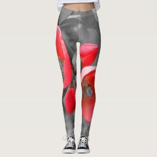 Flor roja en las polainas negras/blancas leggings