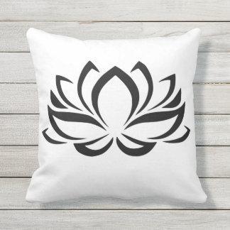 Flor Sillouette de Lotus Cojín De Exterior