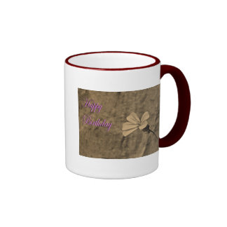 Flor y piedra del cumpleaños en sepia taza de dos colores