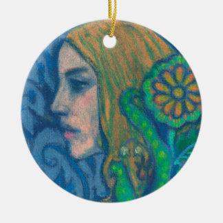Flora, el perfil del chica, floral, flores, verde adorno navideño redondo de cerámica