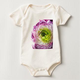 Floración del ranúnculo body para bebé