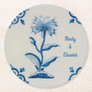 Floral azul y blanco de Holanda personalizado Posavasos De Papel Redondo