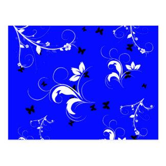 Floral blanco azul con las mariposas negras postal